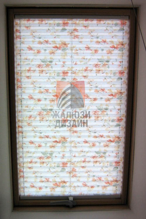 Штора плиссе система VS1 для мансардного окна